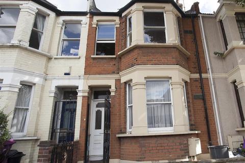 4 bedroom terraced house to rent - Wrexham Road, London