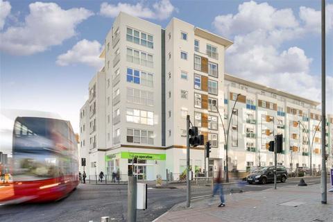 2 bedroom flat for sale - Hudson House, Epsom, Surrey