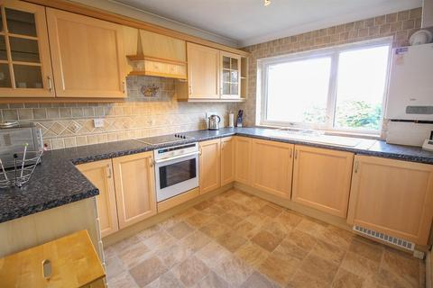 2 bedroom property to rent - Low Gosforth Court, Melton Park, Newcastle Upon Tyne