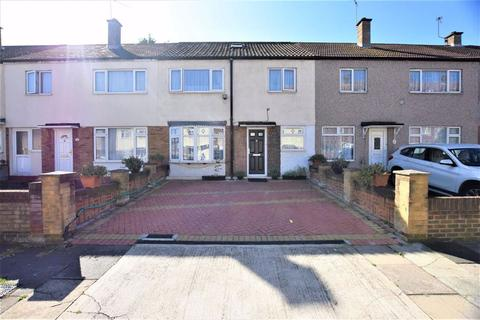 3 bedroom terraced house for sale - Chelmer Crescent, Barking, Essex