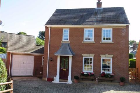 3 bedroom detached house for sale - Park Avenue, Newtown, SY16