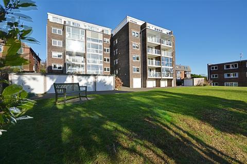 2 bedroom flat for sale - De La Warr Road, Bexhill-On-Sea