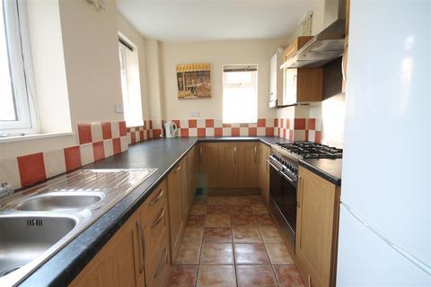 1 bedroom house share to rent - Bolingbroke Street, Heaton