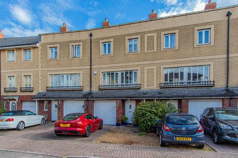 4 bedroom townhouse for sale - Adventurers Quay, Cardiff