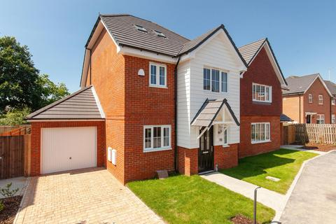3 bedroom detached house for sale - LAUNCH WEEKEND 21ST & 22ND SEPTEMBER 10am-4pm - Smith Way, Smarden Road, Headcorn