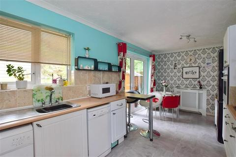 3 bedroom semi-detached house for sale - Sherwood Way, Tunbridge Wells, Kent