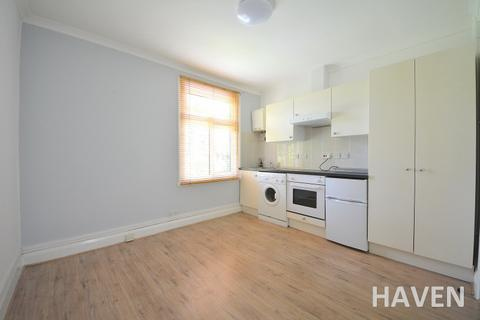 Studio to rent - Durham Road, East Finchley, London