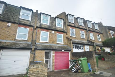 3 bedroom townhouse to rent - Parkdale Road London SE18