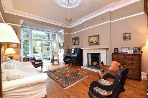 2 bedroom ground floor flat for sale - Blackheath Rise