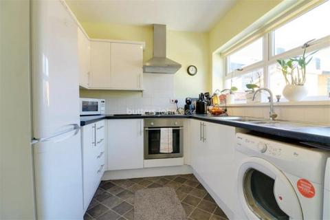 3 bedroom semi-detached house to rent - Heming Place, Bucknall
