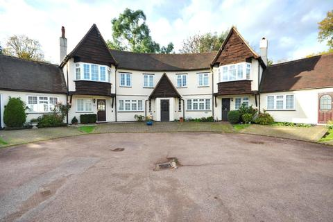 2 bedroom flat to rent - Ivy House Road, Ickenham, Middlesex, UB10 8LZ