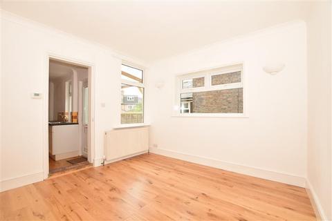 1 bedroom ground floor flat for sale - Station Road, Groombridge, Tunbridge Wells, East Sussex