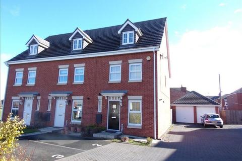 3 bedroom townhouse for sale - Manor Court, Newbiggin-by-the-Sea, Northumberland, NE64 6HF