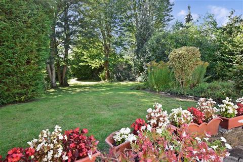 3 bedroom detached house for sale - The Warren, Carshalton, Surrey
