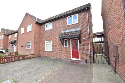 2 bedroom semi-detached house to rent - Burgundy Gardens, Basildon, Essex, SS13