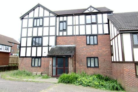 1 bedroom flat to rent - Cranmer Court, Ravenhill, Swansea, City And County of Swansea. SA5 5EW
