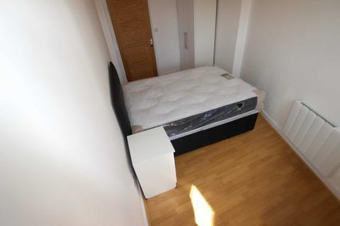 1 bedroom flat to rent - West Street, Reading Berkshire RG1 1TT