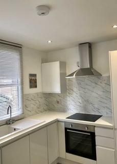 2 bedroom flat for sale - Manchester Road, London
