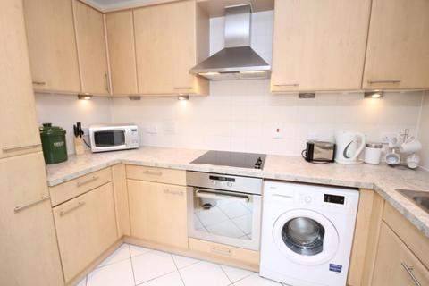2 bedroom apartment to rent - Oriental Road, Woking, Surrey, GU22