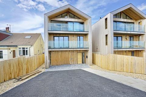 4 bedroom detached house for sale - West Beach, Shoreham