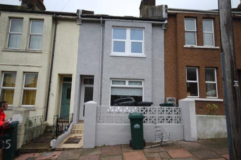 5 bedroom terraced house to rent - Ladysmith Road