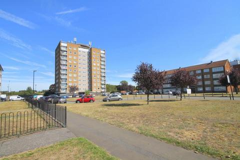 2 bedroom flat for sale - Frank Towell Court, Glebelands Road, Feltham, TW14