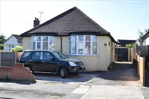 2 bedroom bungalow for sale - The Drive, Chelmsford
