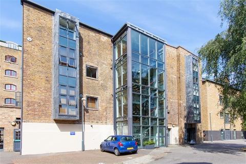 2 bedroom flat share to rent - Providence Square, Tower Bridge, London
