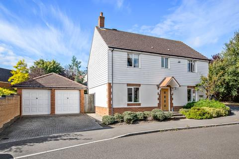 4 bedroom detached house for sale - Romney Point, Repton Park, Ashford