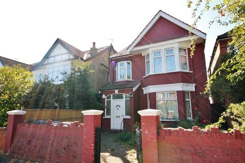5 bedroom detached house to rent - Carew Road, Ealing, W13