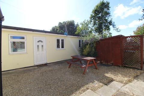 1 bedroom semi-detached bungalow to rent - Phoenix Passage, Cheltenham