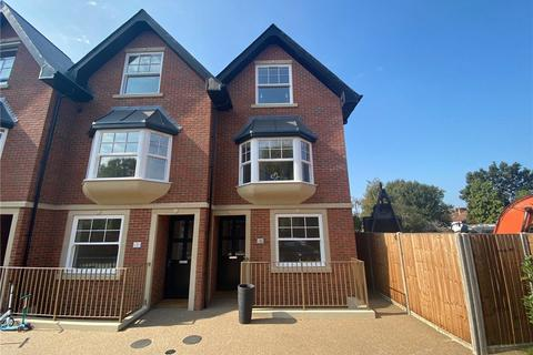 4 bedroom end of terrace house for sale - Grand Drive, Raynes Park, SW20