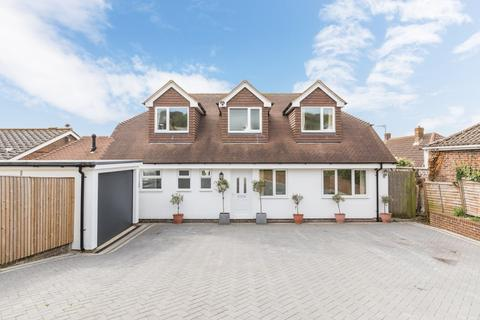 6 bedroom detached bungalow for sale - Fairview Road, Lancing BN15 0PA