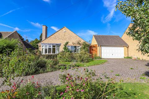 3 bedroom detached bungalow for sale - Crispin Road, Winchcombe