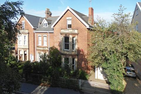 5 bedroom end of terrace house for sale - A capacious period home in St James Exeter