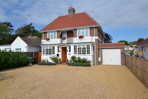 4 bedroom detached house for sale - Beehive Lane, Ferring, West Sussex, BN12 5NR