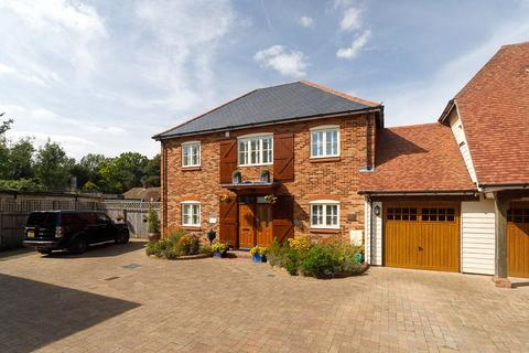 3 bedroom detached house for sale - Henbury Manor, Elham, Canterbury, Kent, CT4