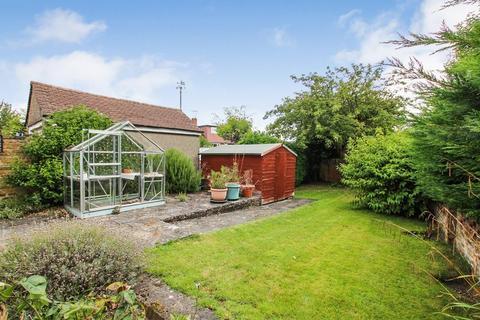 2 bedroom semi-detached house for sale - Melrose Crescent, Orpington