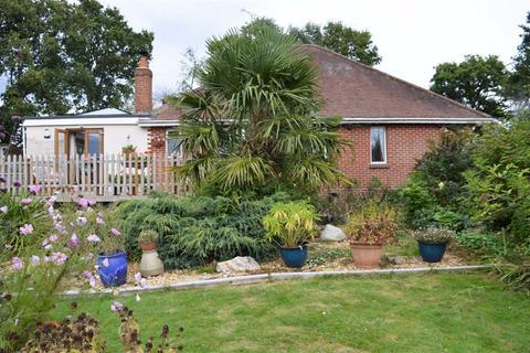 4 bedroom detached bungalow for sale - Mannington, Wimborne, Dorset