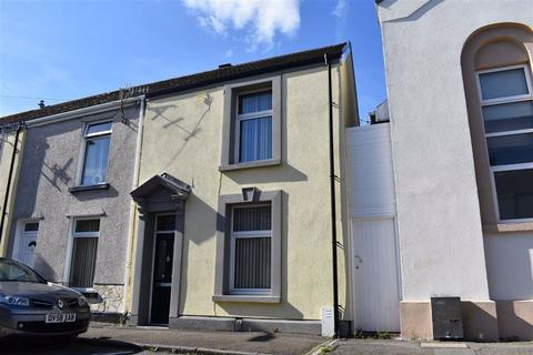 2 bedroom end of terrace house for sale - Spring Terrace, Sandfields