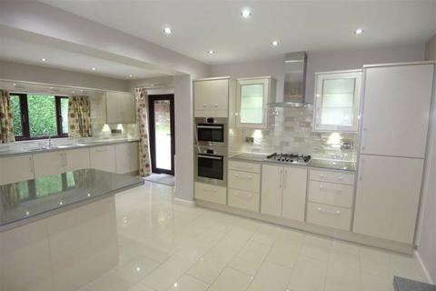 4 bedroom detached bungalow to rent - Ganton Way, Fixby, Huddersfield, HD2
