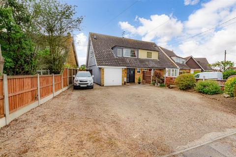 3 bedroom semi-detached house for sale - The Drive, Mayland, Chelmsford