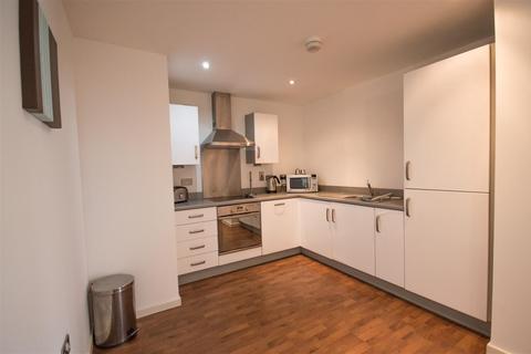 2 bedroom flat to rent - 25 South QuayThe MarinaSwansea