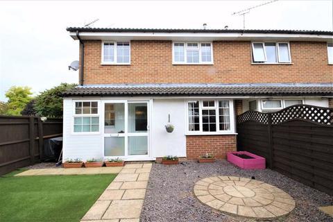2 bedroom terraced house for sale - Stratone Village, Swindon