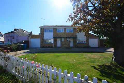 3 bedroom house to rent - Burfield Road, Old Windsor, Windsor