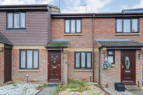 2 bedroom terraced house to rent - Alder Close, Cippenham