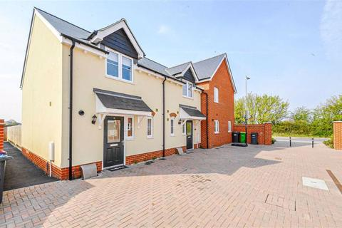 2 bedroom semi-detached house to rent - Kiln Way, Southend-on-sea