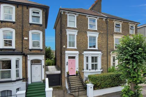 4 bedroom semi-detached house for sale - St. Mildreds Road, Ramsgate