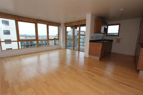 2 bedroom flat to rent - Crozier House, Leeds Dock
