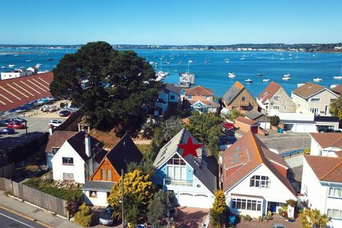 3 bedroom detached house for sale - Panorama Road, Sandbanks, Poole, BH13 7RE